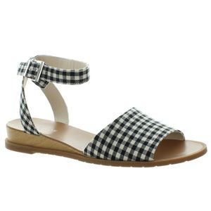 Gingham Jolly Sandals | Kenneth Cole REACTION